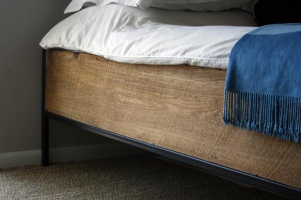 SLR_08_0200-bed